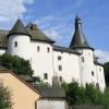 Das Schloss (zur heutigen Größe ausgebaut im 16. Jahrhundert)